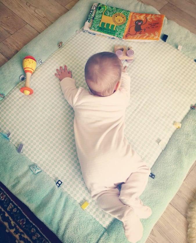 Baby Stoeltje Tafel.Bumbo Kinderstoel En Loopwagen Wat Zegt De
